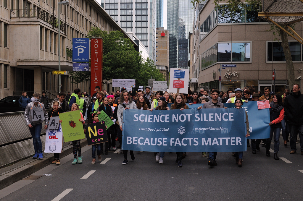 March for Science: am 22.04.2017 auf der Hofgartenwiese in Bonn.  Bild: March for Science Germany