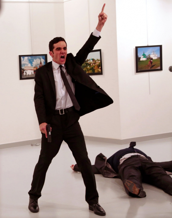 Gewinner der World Press Photo Award: Bereits im Februar wurde das Gewinnerfoto unter heftiger Kritik verkündet. Foto: Burhan Ozbilici, The Associated Press