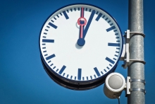 Five minutes: Time is relative – and so is the question of whether or not you'll catch your train. Foto: Public Domains
